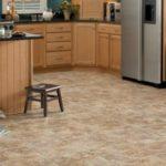 Какой материал использовать для покрытия пола на кухне?